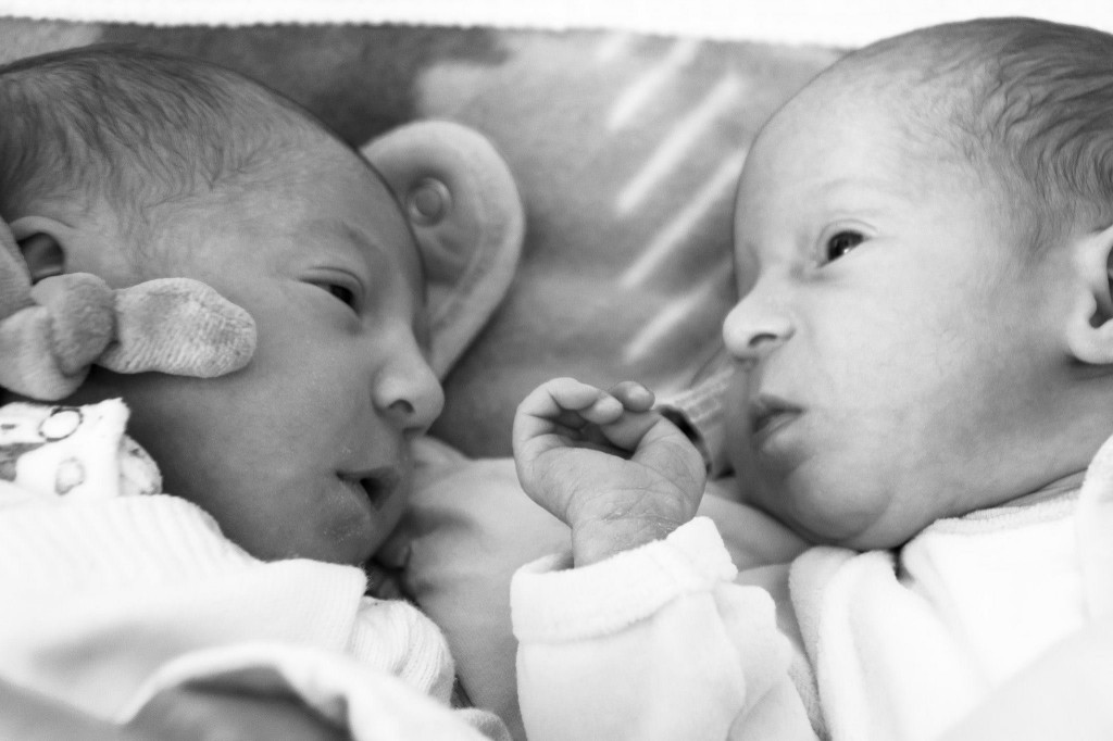 Elisa et Julia, nées le 5 mars