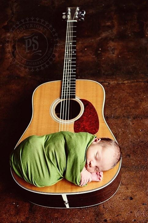bebe guitare