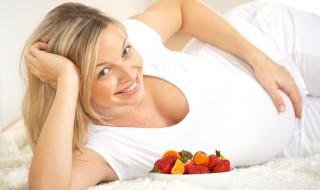 Femme enceinte mange sainement