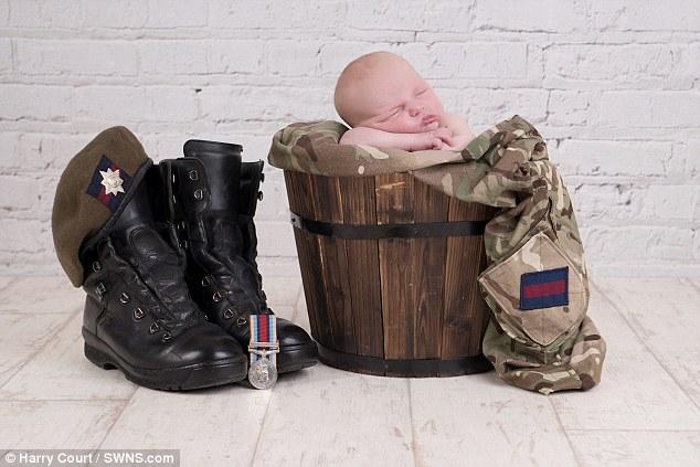 Calendrier-bebes-soldats-3
