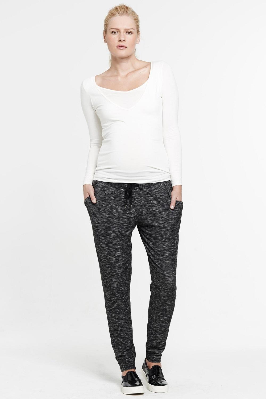 Pantalon de grossesse en jersey gris chiné droit et ajusté aux chevilles by Mamalicious - 34,95 euros sur émoi émoi