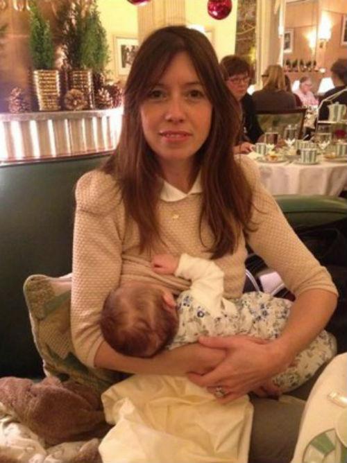 Maman allaitante hotel 2