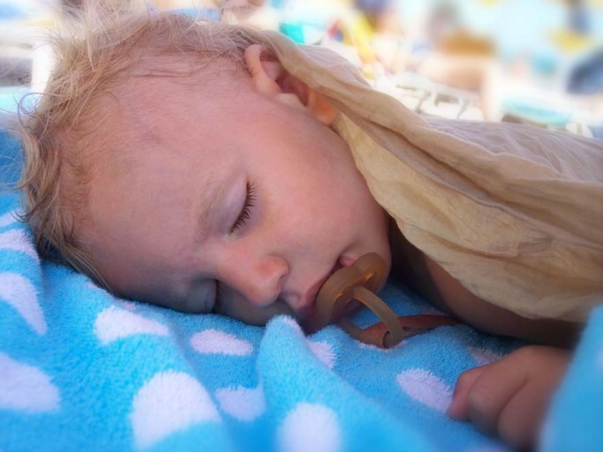 bébé qui dort  (7)