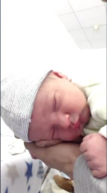 Angelo ne le 25 fevrier 2015