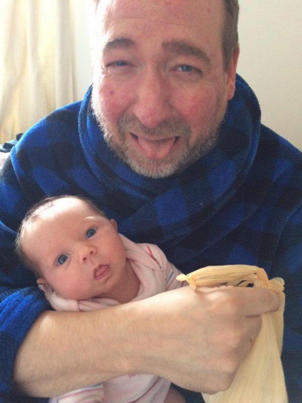 selfie papa change les couches.4jpg