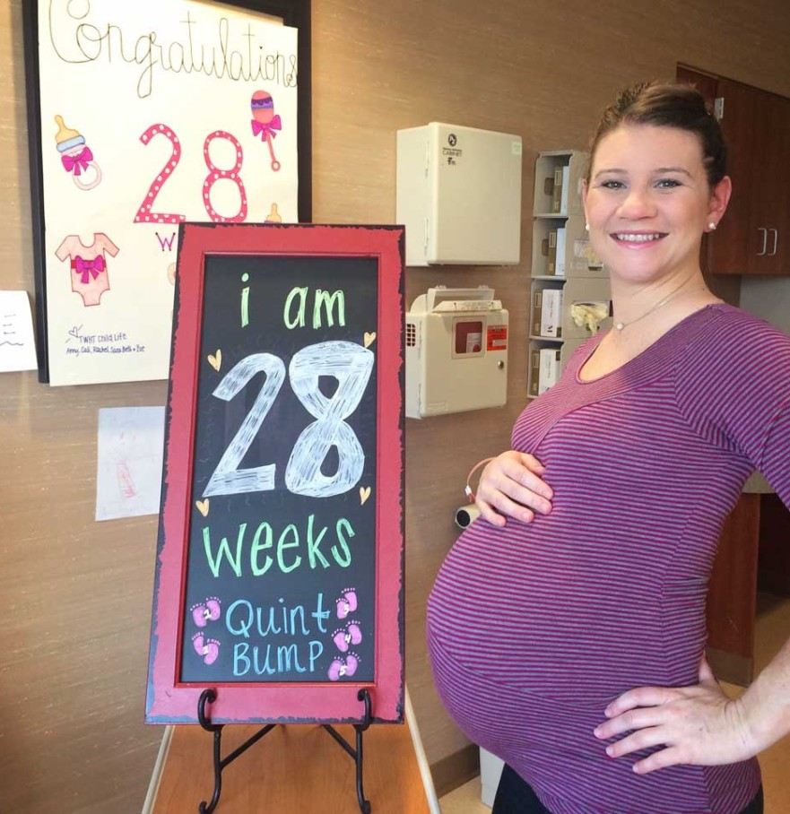 Enceinte de 28 semaines de quintuples