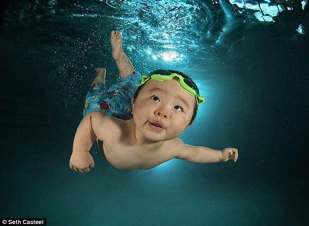 bebes nageurs (1)