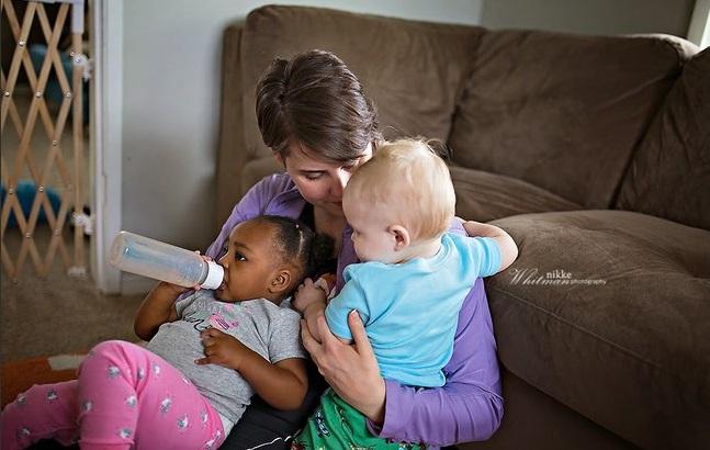 des photos pour d culpabiliser les mamans qui donnent le biberon. Black Bedroom Furniture Sets. Home Design Ideas