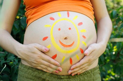 enceinte en plein été