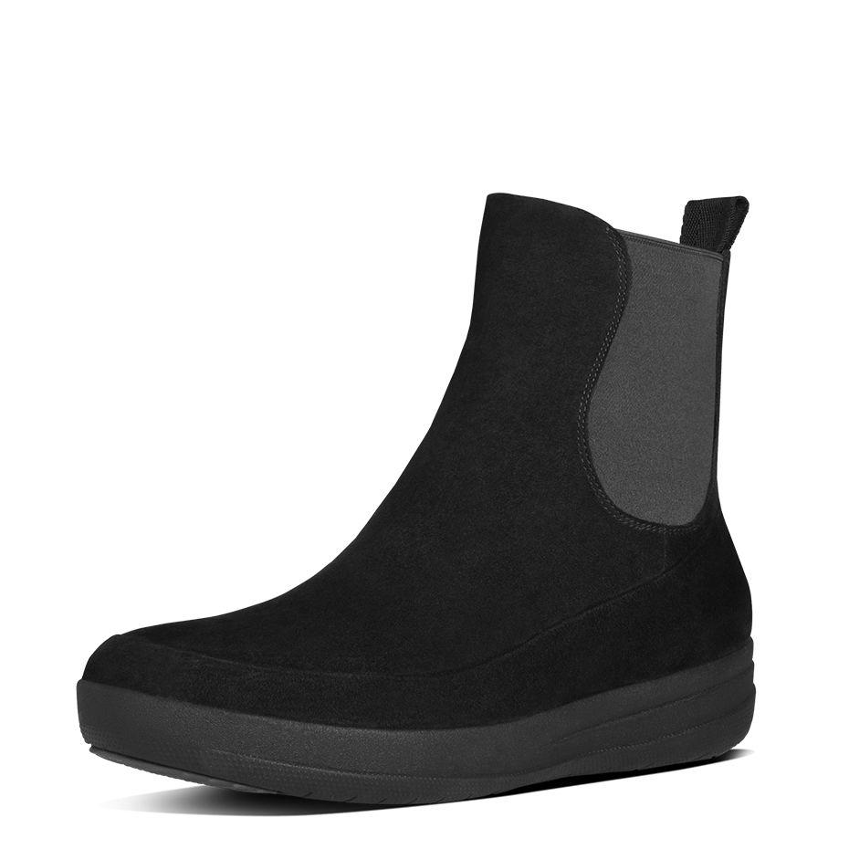 Les Boots Chelsea Suede vues chez Fitflop à 190 euros est ergonomique et assure un véritable confort pour vos pieds. Elle possède une semelle sportive et flexible qui permettent à vos pieds de respirer. Les bottines Chelsea Suede promeuvent la bonne santé du pied et donc par conséquent, la vôtre !