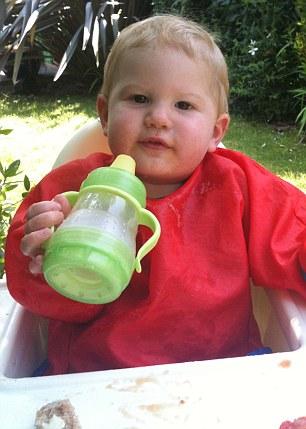 Caroline Blight - Theo Bottle feeding 4.jpg
