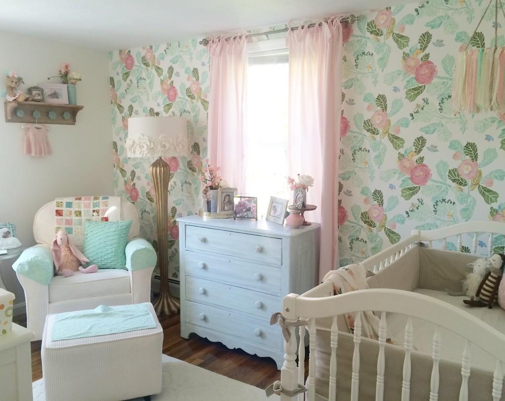 7 inspirations pour d corer la chambre d 39 une princesse. Black Bedroom Furniture Sets. Home Design Ideas