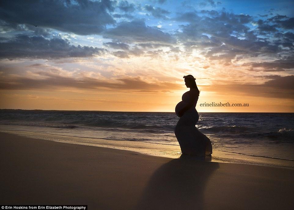 enceinte de quintupl s elle immortalise sa grossesse dans un d cor de r ve. Black Bedroom Furniture Sets. Home Design Ideas