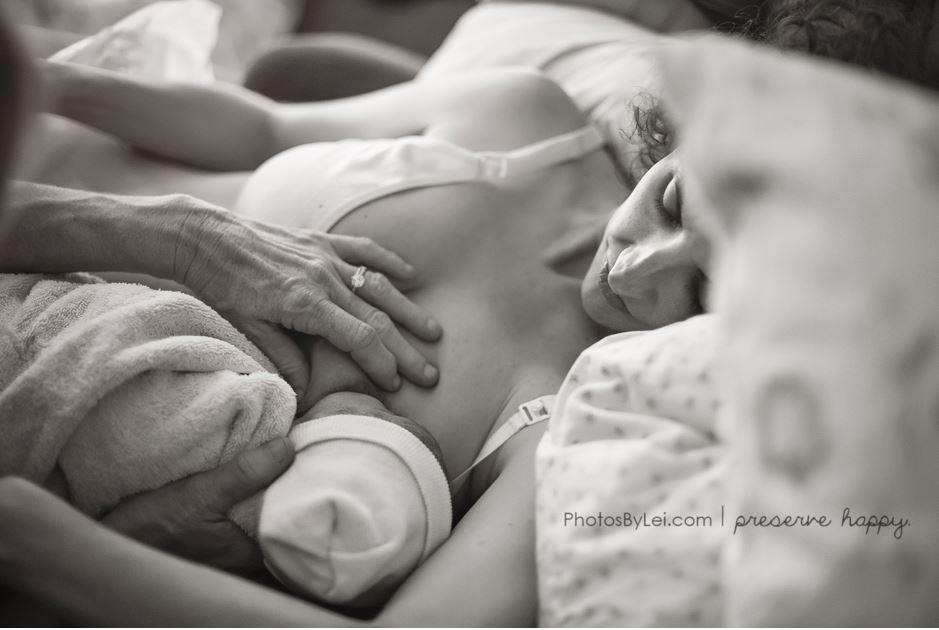 Leilani-Rogers-photographe-accouchement-allaitement