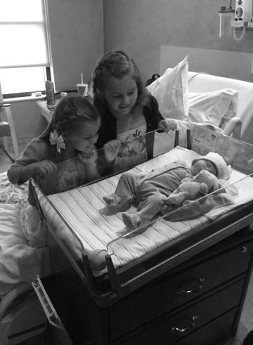 rencontre-frere-soeur-bebe-premiere-fois-sans-noms9