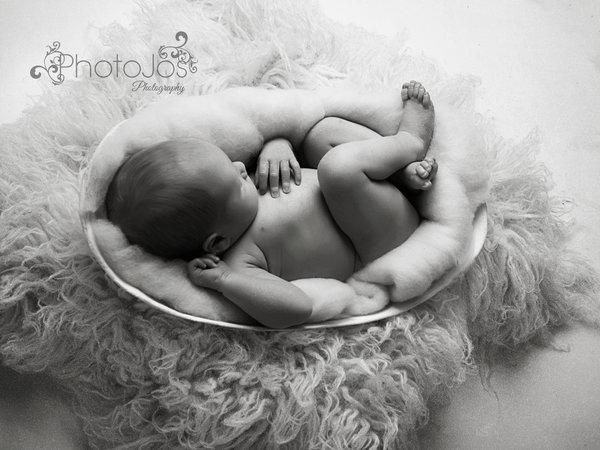 nouveau-ne-shooting-photo-ventre-femme-enceinte-en-platre3