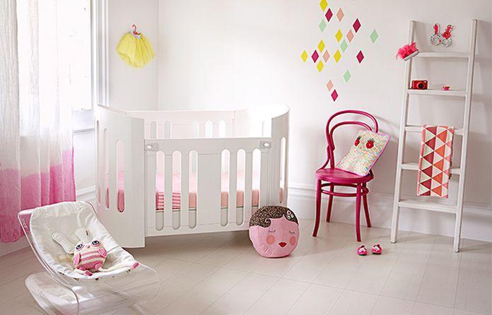 6 id es pour transformer la chambre de b b en un cocon tout blanc. Black Bedroom Furniture Sets. Home Design Ideas