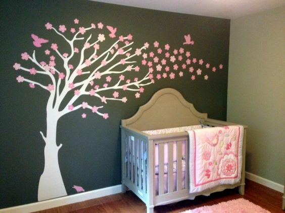 chambre rose et gris fonce pour bebe