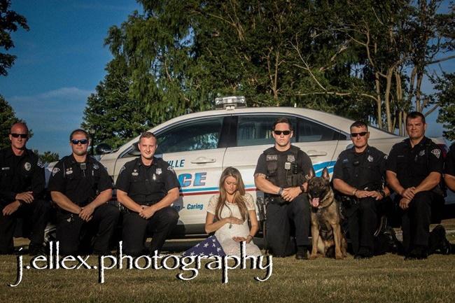femme policiers chiens