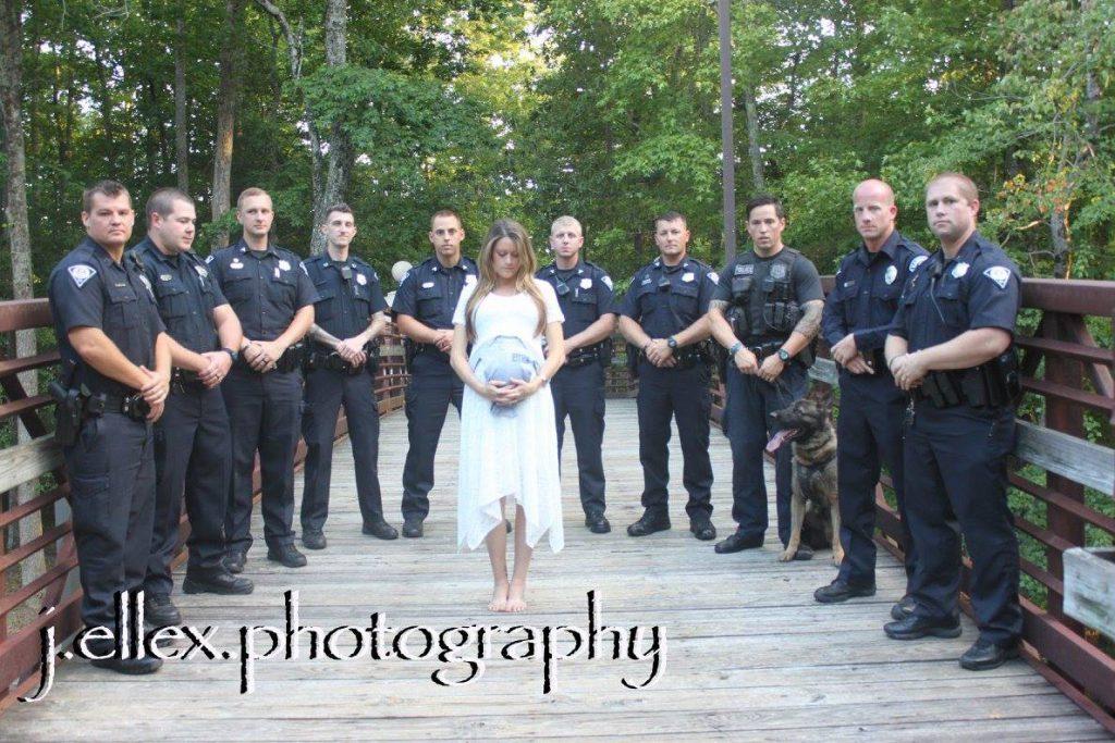 femme policiers pont