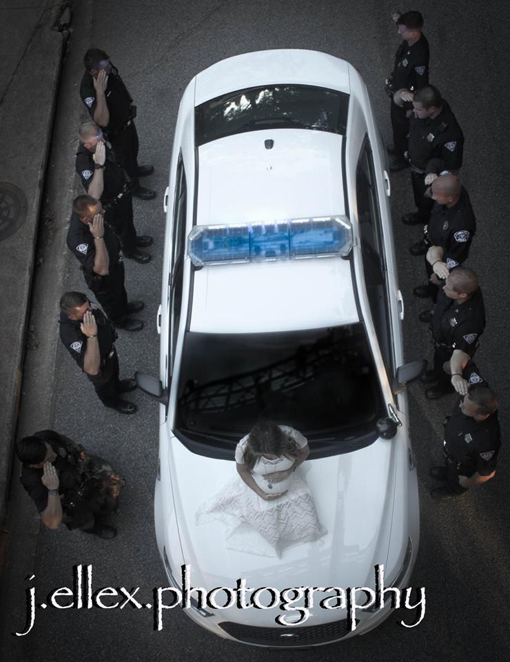 femme policiers voiture