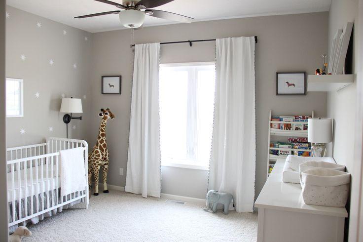 chambre de bébé-animaux-blanc