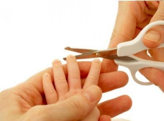 Comment couper les ongles de b b - Comment couper des parties d une video ...