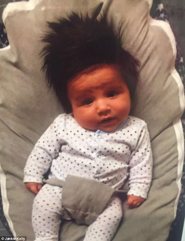 jackie kelly bebe cheveux fous