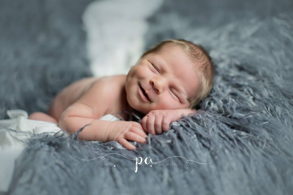 megan-mere-porteuse-fille-maddie-photo-shooting-grossesse-bebe