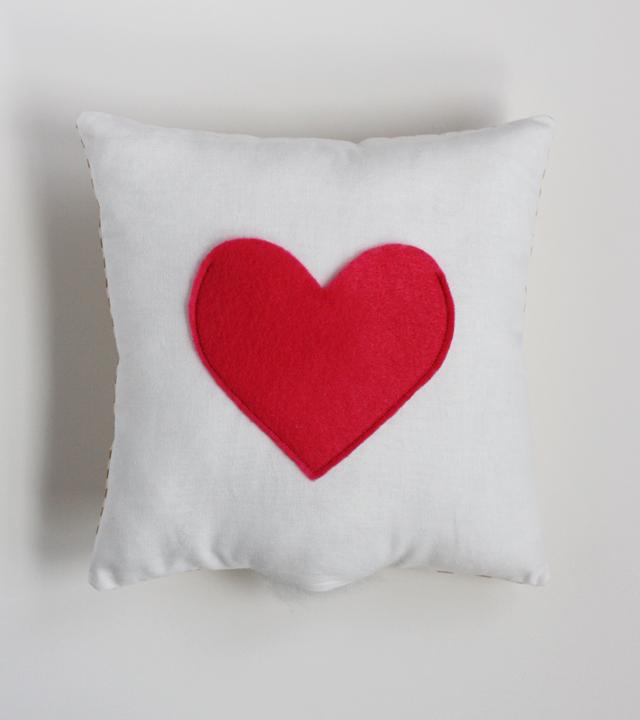DIY oreiller secret couture coeur