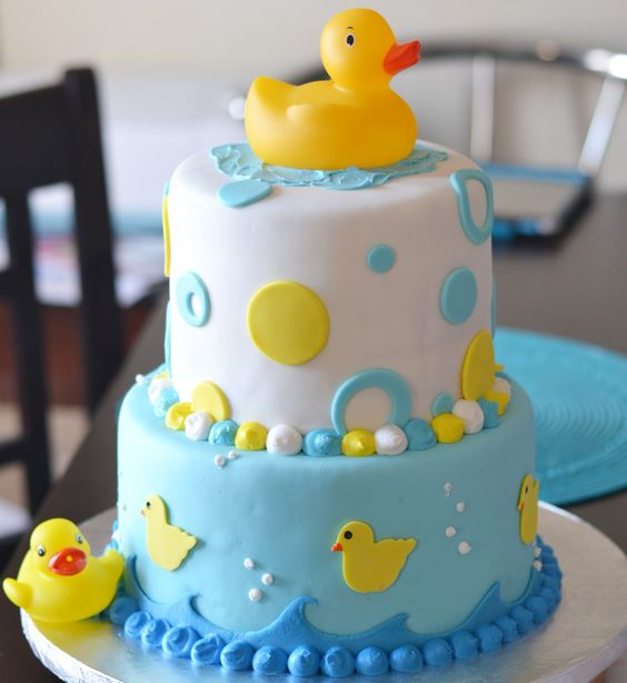baby shower-canards-neuf mois-wedding cake