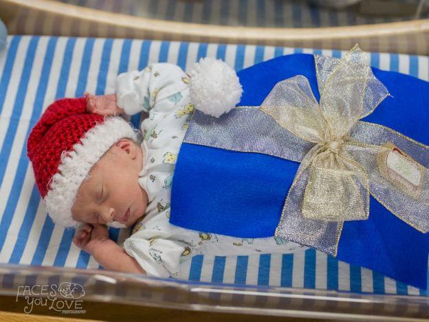 bebe cadeau pere noel 11