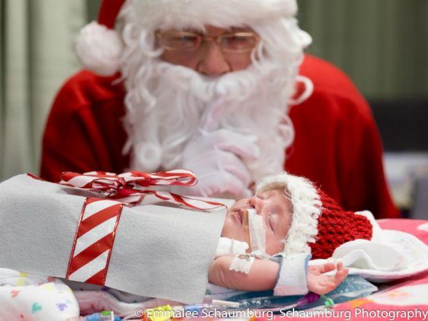 bebe cadeau pere noel 2