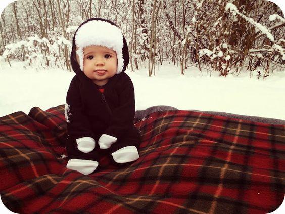 Bebes trop craquants pares a affronter l hivers dans la neige