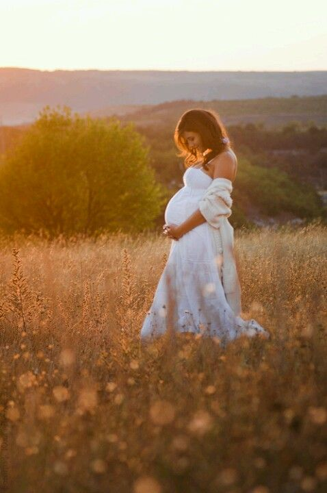 jolie jeune femme enceinte