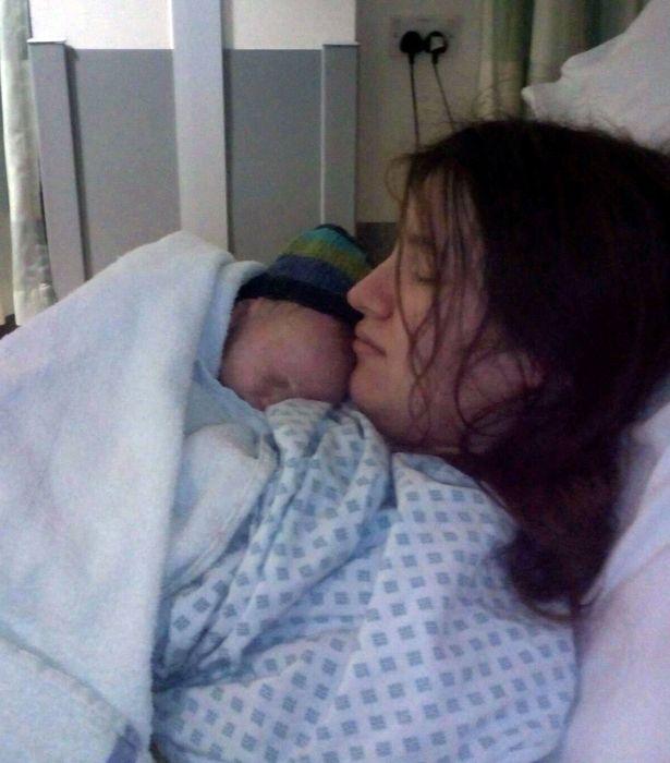 maman donne naissance en domant 2
