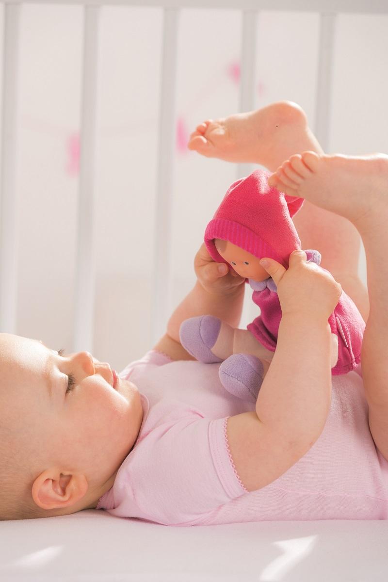 bebe et son doudou corolle ok