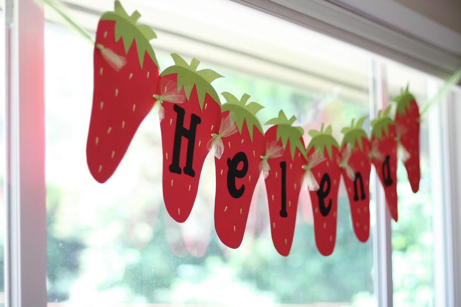 baby shower-neuf mois-fraise-banderole
