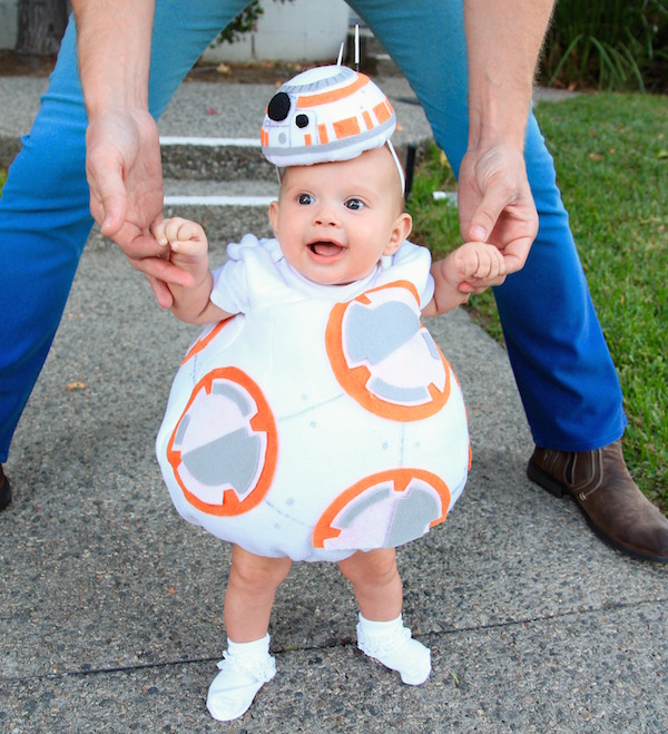 Bébé déguisé en BB8