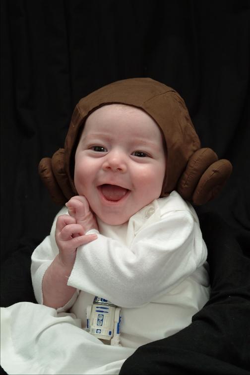 Bébé déguisé en princesse Leia