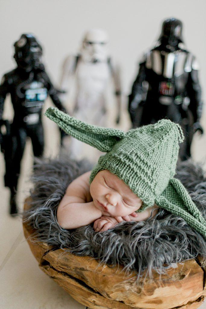 Bébé déguisé en Yoda