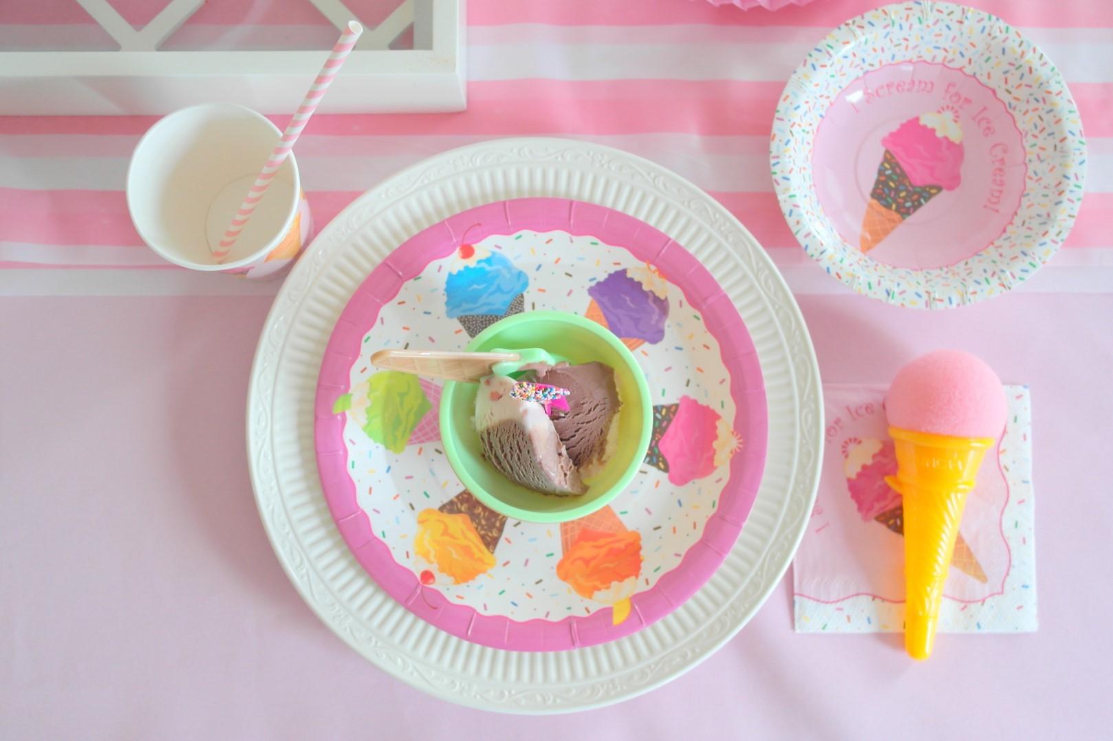 ice cream-assiette-neuf-mois