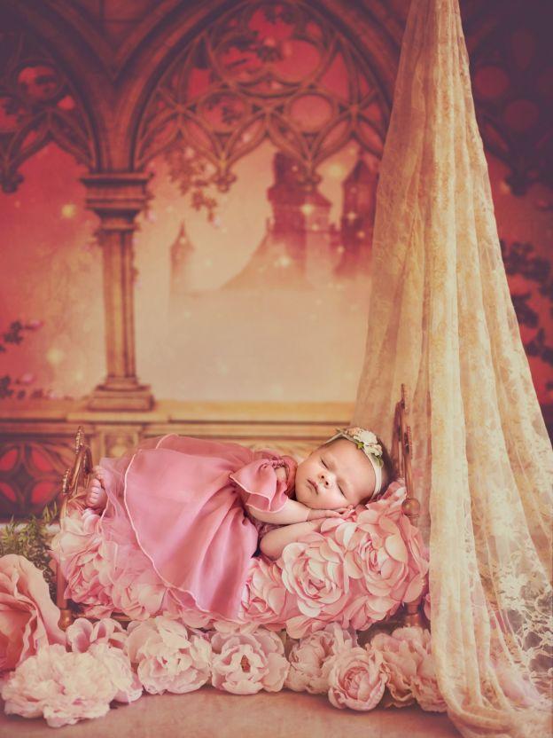 bébé la belle au bois dormant