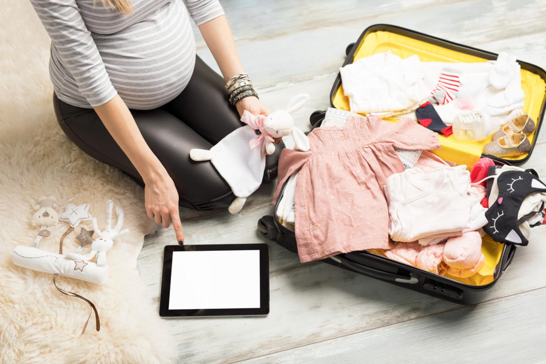 10 indispensables de naissance glisser dans la valise de maternit pour b b. Black Bedroom Furniture Sets. Home Design Ideas