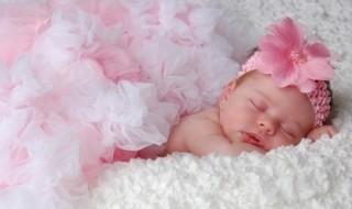 10  prénoms colorés pour ma petite fille