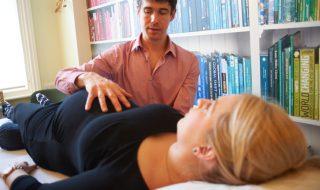 5 raisons de consulter un ostéopathe en début de grossesse