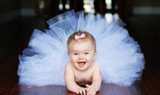 Pour soutenir sa fille de deux ans durant son spectacle de danse, ce papa s'est transformé en ballerine