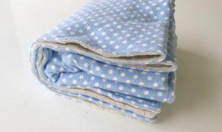 Comment fabriquer une couverture toute douce pour bébé en 30 minutes ?