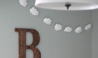 Comment fabriquer une jolie guirlande de nuages pour bercer bébé ?