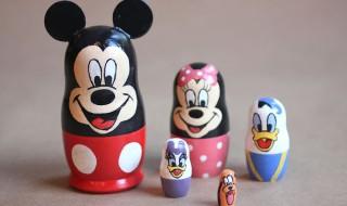 Des poupées russes esprit Disney pour décorer la chambre de bébé